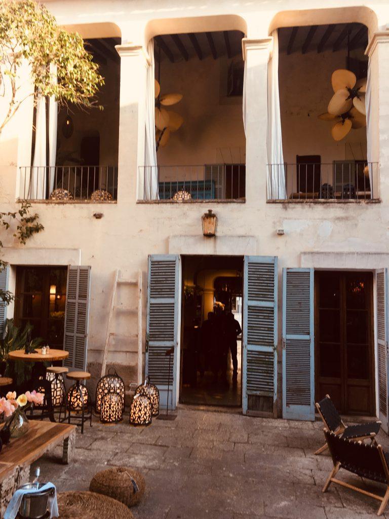 decoracion-restaurante-living-dreams-santa-maría-del-camí-mallorca