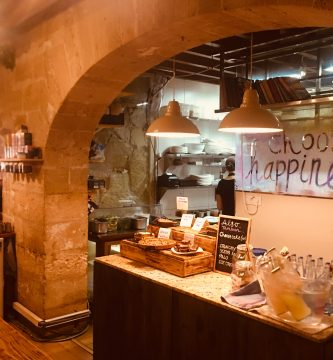 restaurante-vegano-natural-santosha-palma-pet-friendly