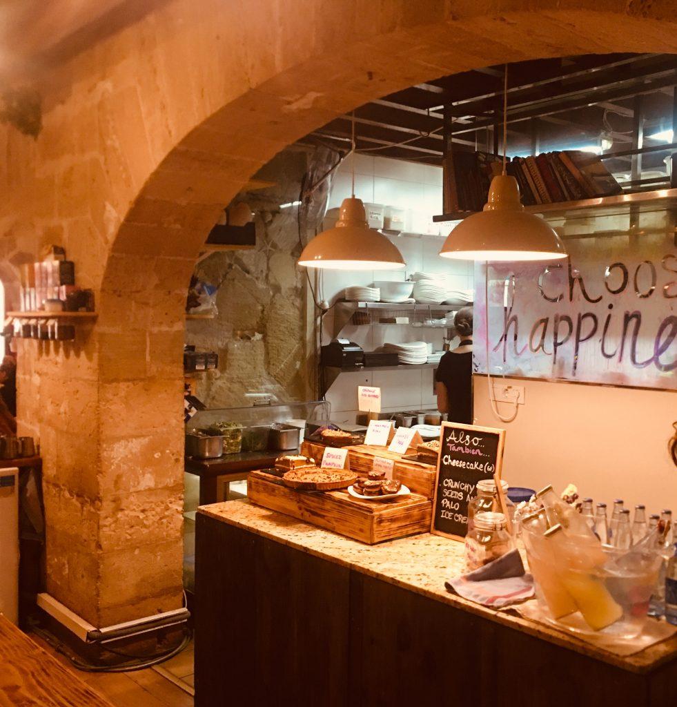 restaurante-vegano-natural-santosha-palma-pet-friendly