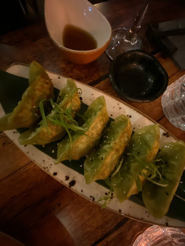 gyozas-restaurante-izakaya-taberna-japonesa-palma-travel-hidden-places-