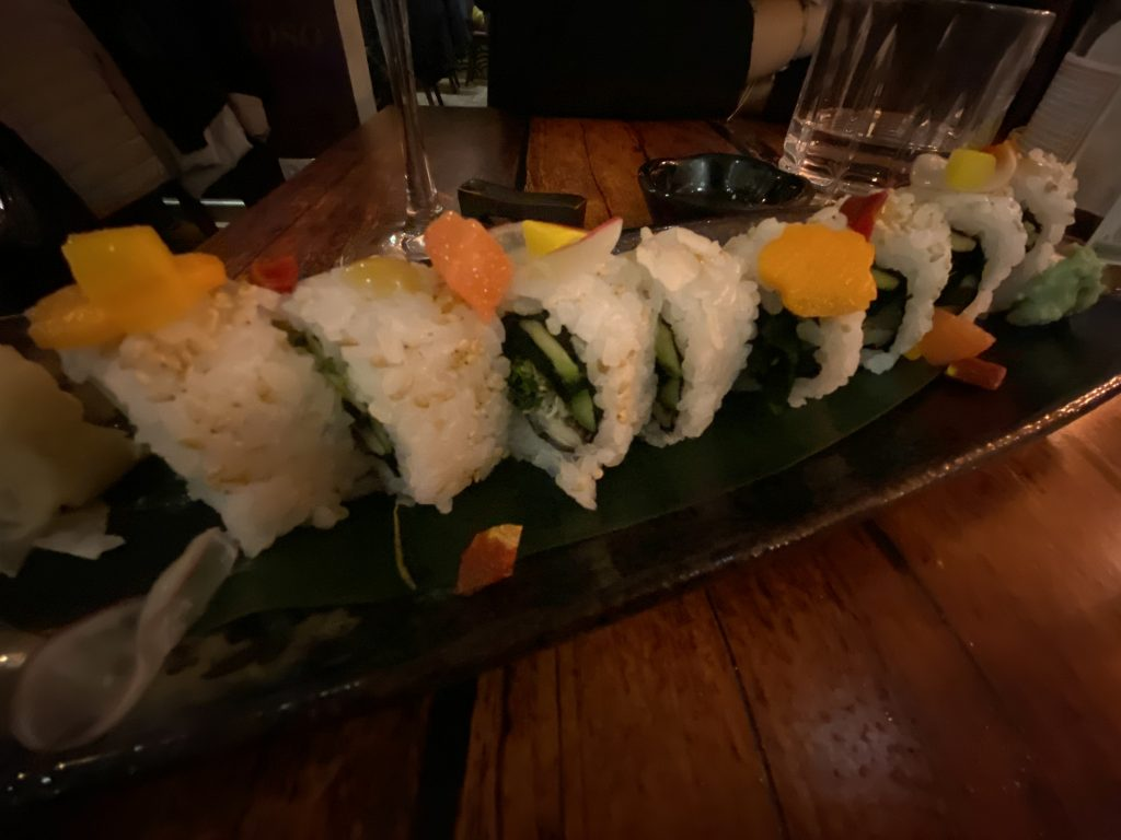 sushi-sashimi-restaurante-izakaya-taberna-japonesa-palma-travel-hidden-places-